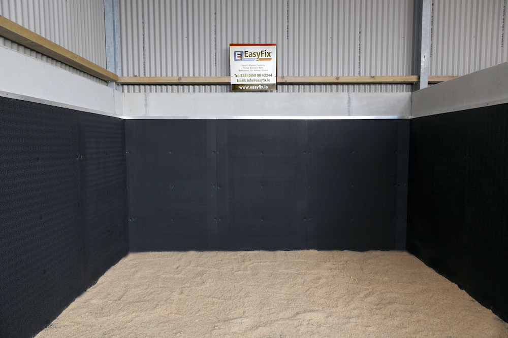Stable Comfort & Safety 13 EASYFIX EQUINE stable for young stock5