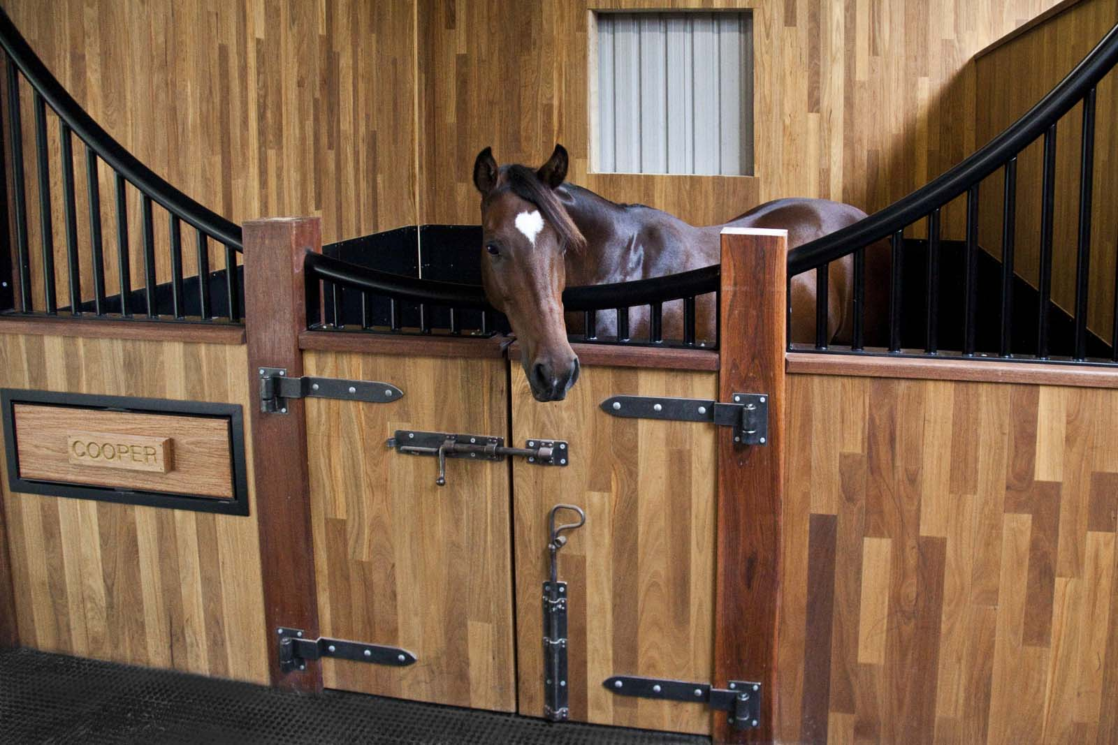 Stable Comfort & Safety 2 stable delux from easyfix equine 3