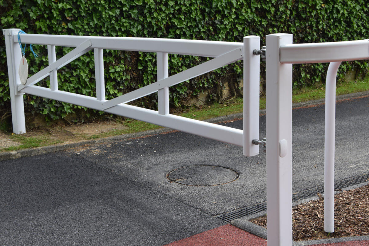 PVC Fencing Solutions 7 TECRAIL GATES from easyfix equine
