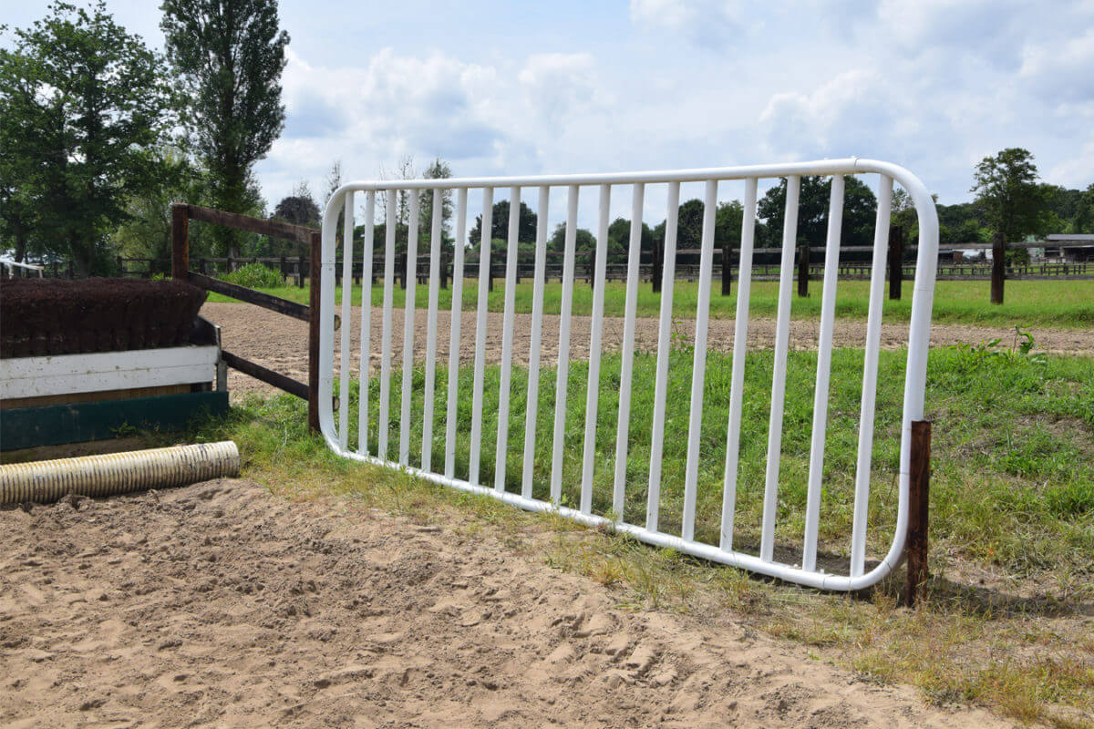 PVC Fencing Solutions 9 easyfix equine jump wings ireland
